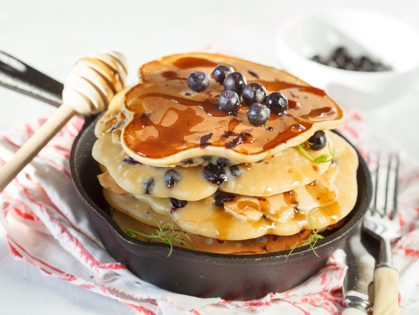 Simple Healthy Banana Blueberry Pancakes